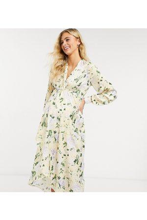 HOPE & IVY Hope & Ivy – Umstandsmode – Langärmliges Kimono-Midikleid mit gelbem Blumenmuster und Twistdetail