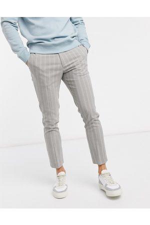 New Look – Enge, kurze Hose in gestreift