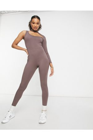 I saw it first – Asymmetrischer Jumpsuit mit Zierausschnitt in Schokolade