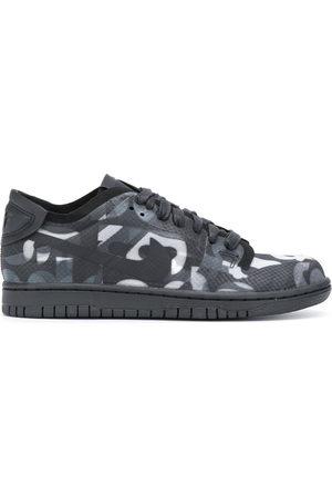 Comme des Garçons COMME DES GARÇONS x Nike Dunk Sneakers