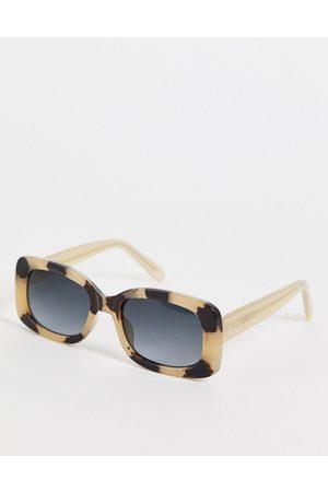 A. Kjærbede – Salo – Runde Unisex-Sonnenbrille in cremefarbener Schildpattoptik