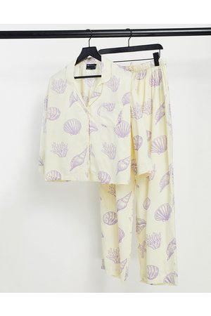 ASOS – Pyjama-Set aus Modal in mit Muschelprint und langärmligem Hemd und Hose