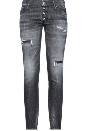 DSQUARED2 Damen Cropped - DENIM - Jeanshosen - on YOOX.com