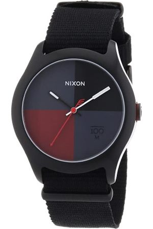 Nixon Unisex-Armbanduhr The Quad All Black/Dark Red Nylon Analog Quarz A3441167-00