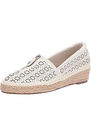 Easy Street Women's Sneaker, White