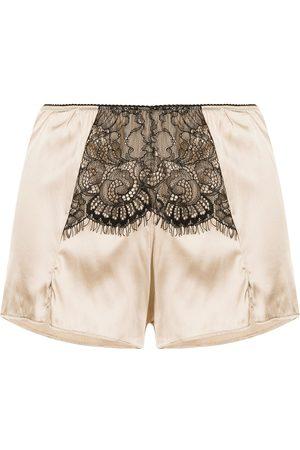Burberry Shorts aus Satin mit Spitzeneinsatz