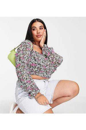 In The Style Plus X Olivia Bowen – Kurz geschnittenes Oberteil mit Riemchendetail am Rücken, weiten Ärmeln und buntem Blumenmuster-Mehrfarbig