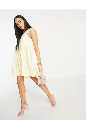 In The Style X Stacey Solomon – Mini-Hängerkleid mit Flügelärmeln in Zitronengelb