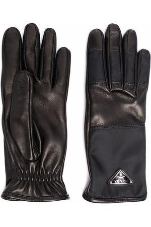 Prada Handschuhe aus Re-Nylon