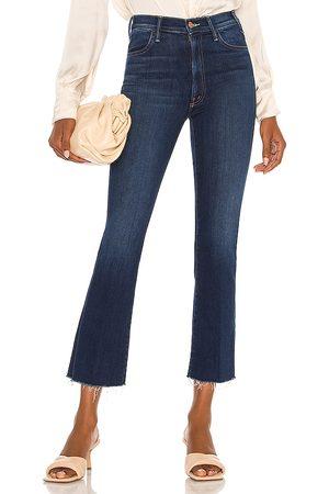 """Mother Kurz geschnittene Jeans """"The Hustler"""" mit Fransendetails am Saum in . Size 24, 25, 26, 27, 28, 29, 30, 31, 32."""