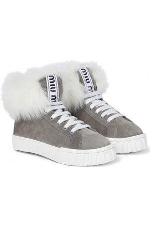Miu Miu Sneakers aus Veloursleder