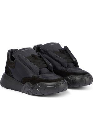 Alexander McQueen Sneakers Puffy mit Velourslederbesatz