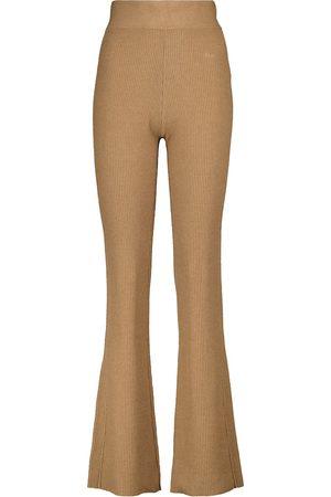 Frame Hose aus Rippstrick