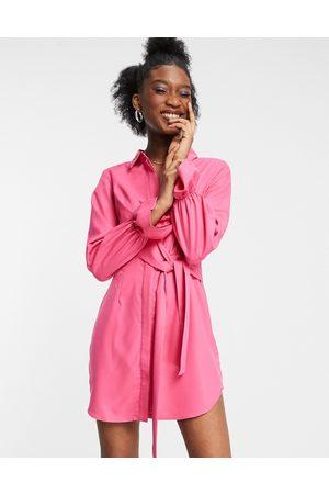 In The Style X Billie Faiers – Drapiertes Hemdkleid mit Bindedetail vorne in