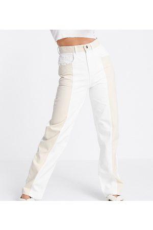 Reclaimed Inspired – Dad-Jeans im Stil der 90er im Farbblockdesign in Ecru und Sandgelb