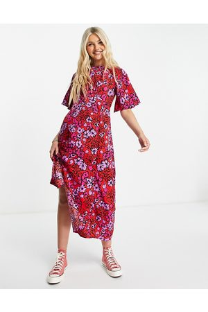 Influence – Midi-Freizeitkleid in Rot mit Blumenmuster-Mehrfarbig