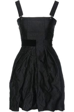 HIGH Damen Kurze Hosen - KLEIDER - Kurze Kleider - on YOOX.com