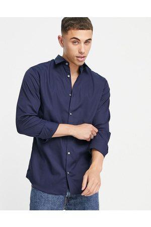 JACK & JONES – Essentials – Bügelfreies, elegantes Hemd in Marineblau mit schmalem Schnitt