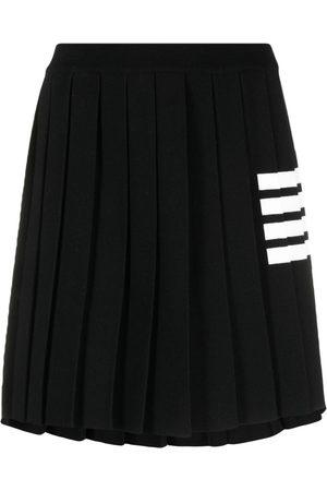 Thom Browne Damen Bedruckte Röcke - Faltenrock mit Streifen