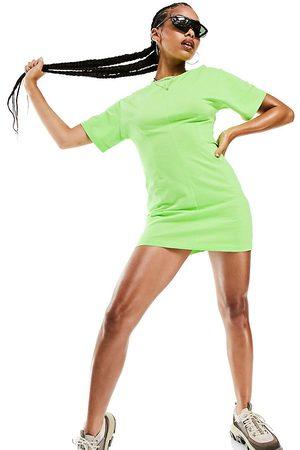 AsYou – T-Shirt-Kleid in Limettengrün mit Ziernaht