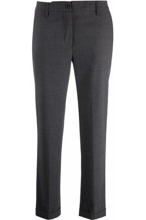 Aspesi Damen Capris - Slim-fit cropped trousers