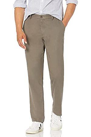 Amazon Herren-Chino-Hose mit gerader Passform, knitterfrei, flache Vorderseite, (Taupe)
