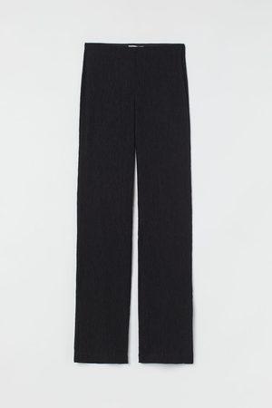 H&M Damen Cropped - Gecrinkelte Hose mit Schlitz