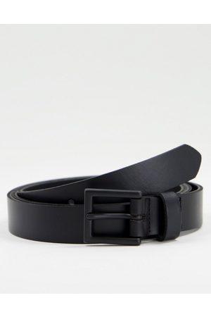 ASOS DESIGN – Schmaler Ledergürtel in mit mattschwarzer Schnalle