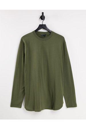 ASOS – Lässiges, langärmliges Shirt mit geschwungenem Saum in Khaki
