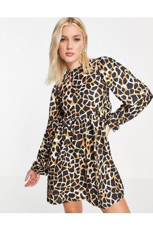ASOS – Langärmliges, kurzes Oversize-Hängerkleid mit großem Giraffenprint