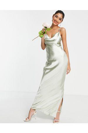 ASOS – Brautjungfern-Maxikleid aus Glanzsatin in Salbeigrün mit Camisole-Trägern und Schnürung am Rücken