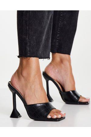 Glamorous – Sandalen mit Statement-Absatz in Kroko-Schwarz-Neutral