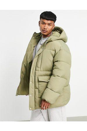 ASOS – Wattierte Oversize-Jacke in Khaki