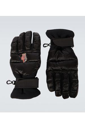 Moncler Handschuhe aus einem Tech-Material
