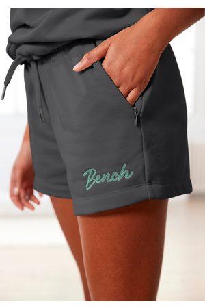 Bench Shorts, mit Reißverschlusstaschen