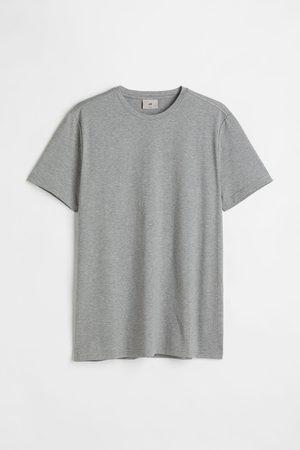 H&M T-Shirt aus Premium Cotton Slim Fit